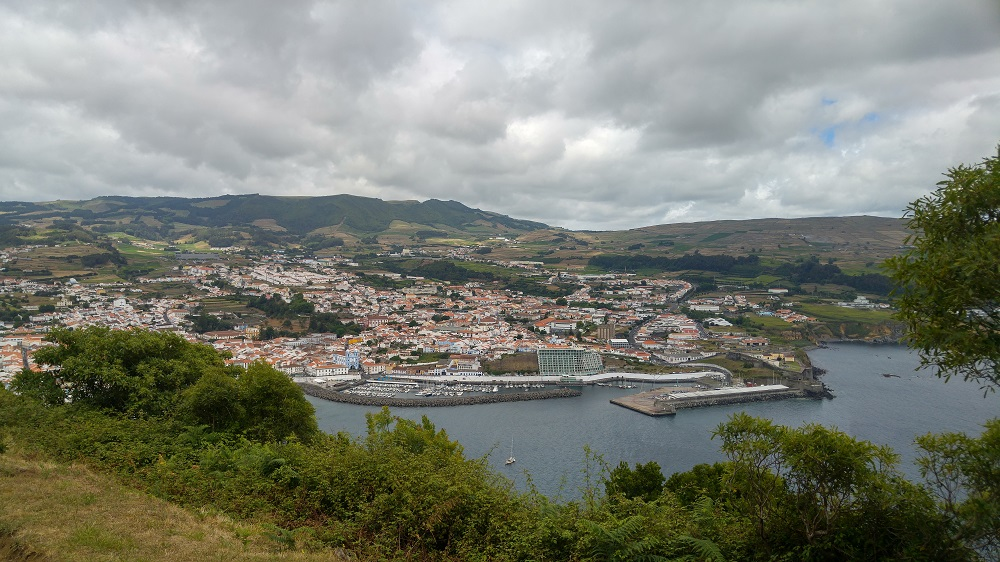 La ville d'Angra depuis le Monte Brasil