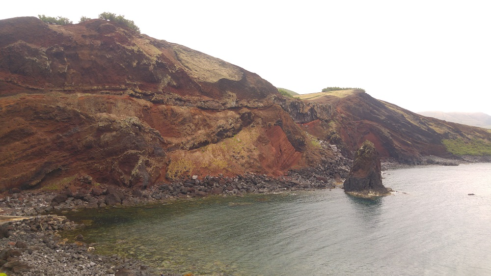 Les falaises impressionnantes de Porto Afonso.