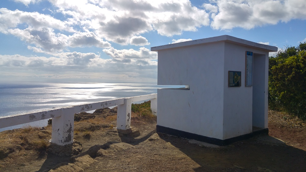 Une vigie d'observation de baleines comme on en trouve souvent aux Açores
